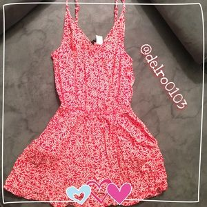 ❤️ H&M Red & white romper ❤️